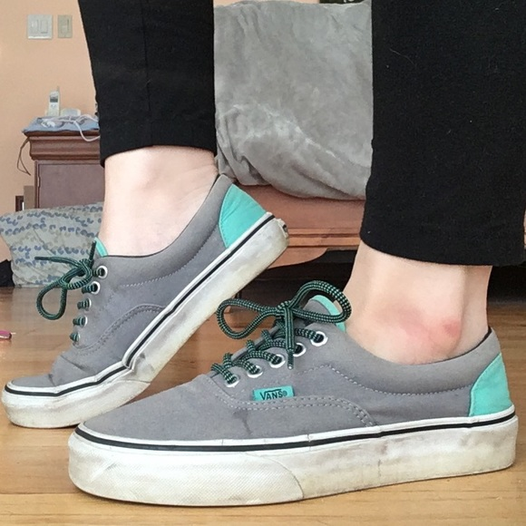 58fd90ac58 VANS Era Grey   Electric Green Canvas Skate Shoes.  M 5a93132585e60531b9a65f75